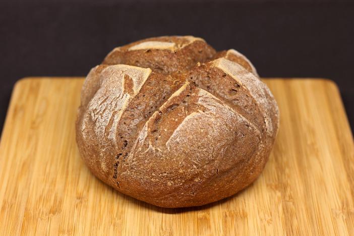 Pan sin gluten horneado en cazuela