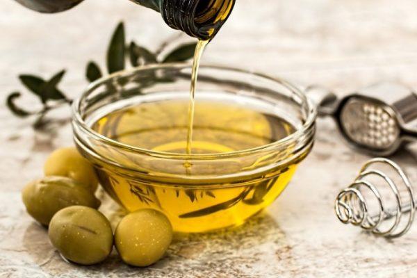 Aceite de oliva y pan sin gluten