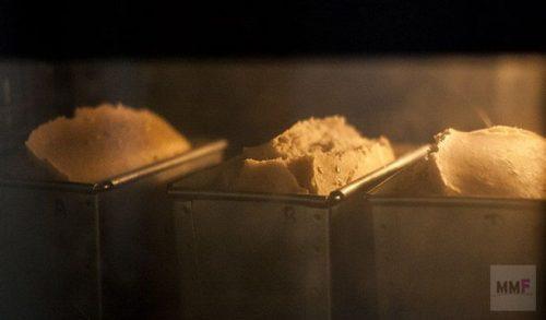tres panes en el horno